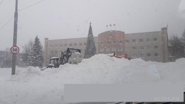 Глава собрала оперативный штаб и расставила приоритеты в уборке снега